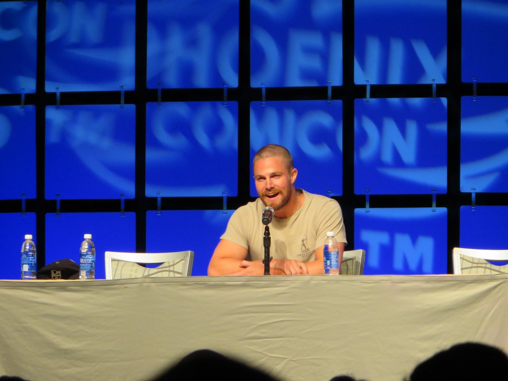 Stephen Amell at Phoenix Comicon